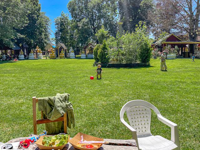 Le parc du château de Lugny où l'on s'installe pour manger /  © Anaïs Lerma pour Enlarge your Paris