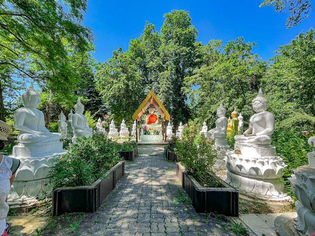 Statues de Bouddha / © Anaïs Lerma pour Enlarge your Paris