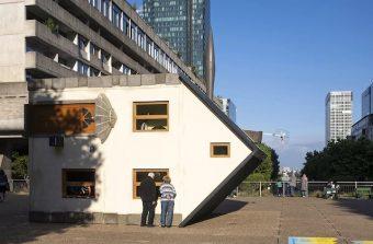 Une expo d'art contemporain renversante à La Défense