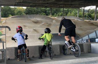 J'ai testé la piste de BMX du vélodrome national à Saint-Quentin-en-Yvelines