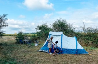 J'ai testé la tente familiale pour camper à l'improviste autour de Paris