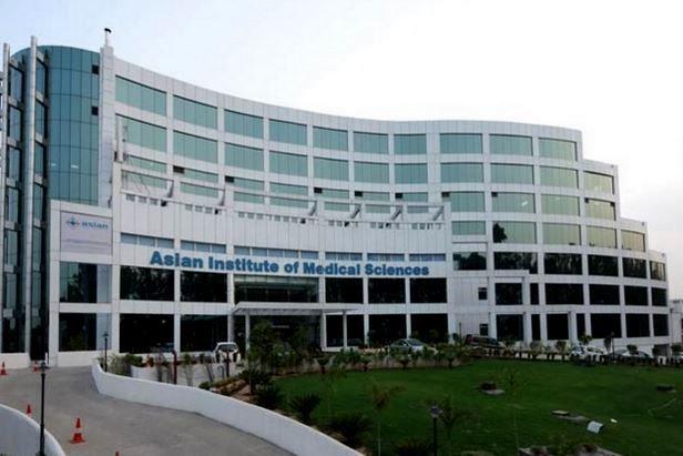 Asian Institute of Medical Sciences Faridabad - Courses