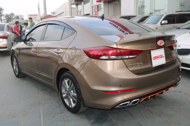 Hyundai Elantra 1.6AT 2016 - 6