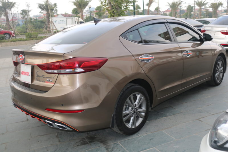 Hyundai Elantra 1.6AT 2016 - 8