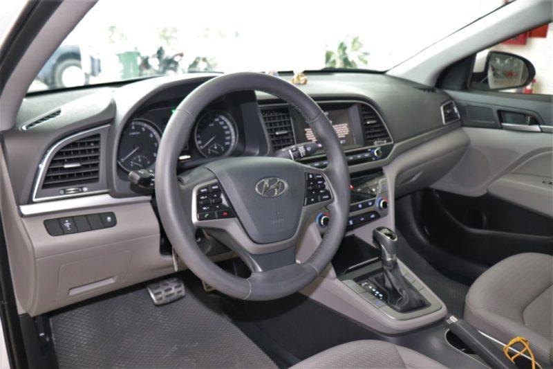 Hyundai Elantra 2.0AT 2017 - 16