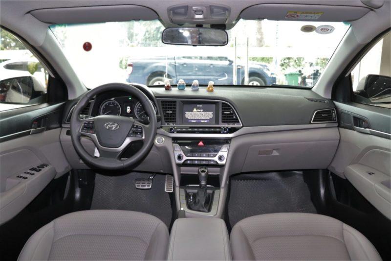 Hyundai Elantra 2.0AT 2017 - 22