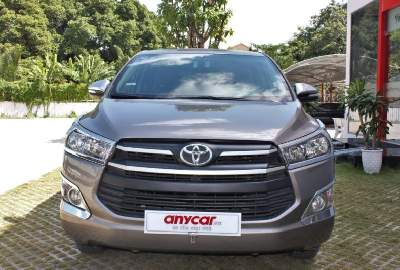 Toyota Innova 2.0AT 2017 - 2