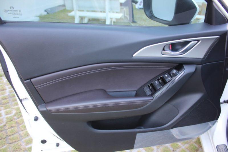 Mazda 3 1.5AT Facelift 2017 - 8
