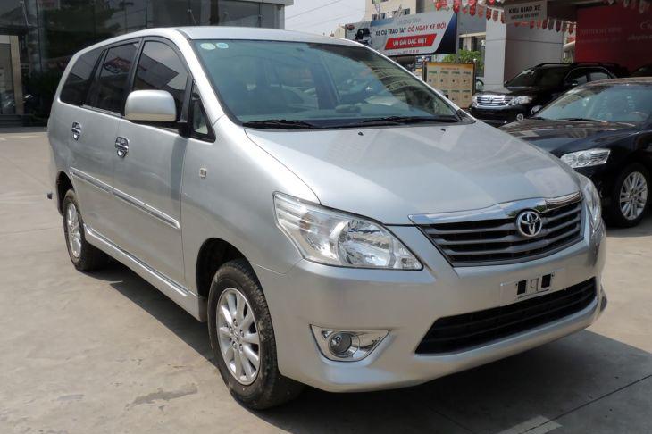 Toyota Innova 2.0MT 2014 - 1