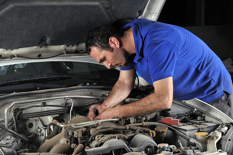 Kinh nghiệm kiểm tra động cơ khi mua xe ô tô cũ