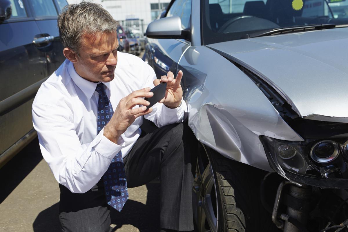 Cách xử lý với hãng bảo hiểm khi ô tô gặp nạn - 4