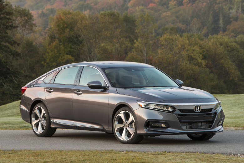 Top 10 mẫu xe sedan hạng D tốt nhất trên thị trường ô tô hiện nay