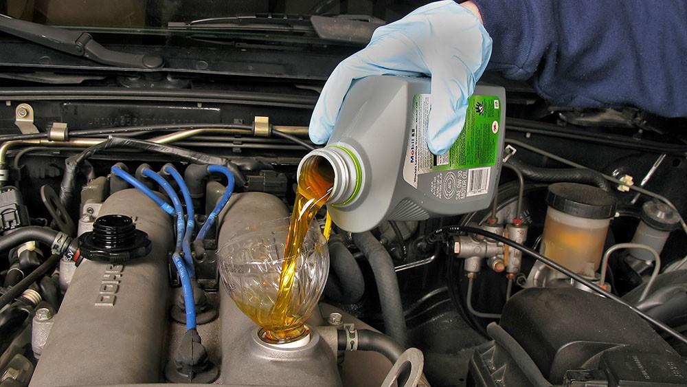 Định mức thay nhớt xe ô tô là khi nào? Khi nào cần thay nhớt động cơ ô tô - 5