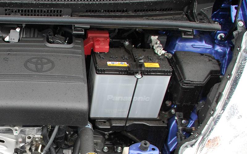 Cách thay ắc quy xe ô tô đơn giản có thể tự làm tại nhà - 12