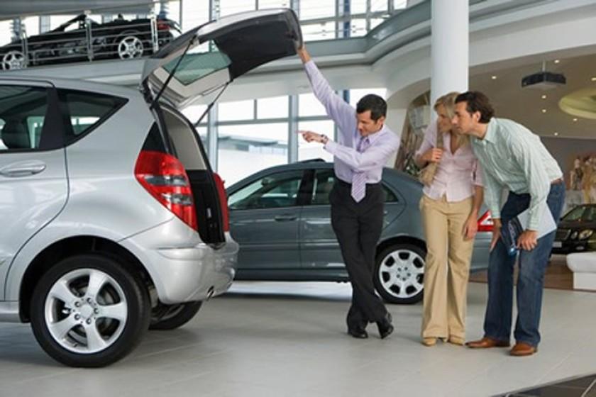 Mua xe ô tô cũ giá rẽ khoảng 200 triệu - 2