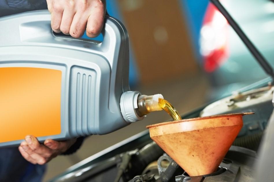 Loại dầu nhớt nào phù hợp cho xe ô tô - 1