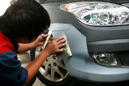 Cách xử lý xe bị trầy xước nhẹ và nặng một cách thông minh nhất - 2