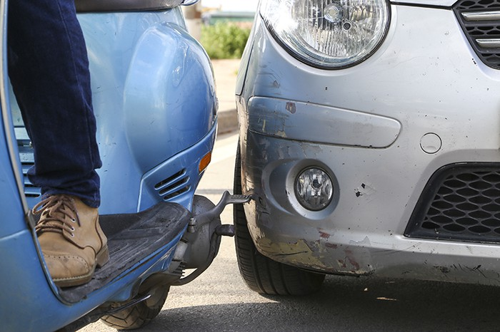 Cách xử lý xe bị trầy xước nhẹ và nặng một cách thông minh nhất - 6
