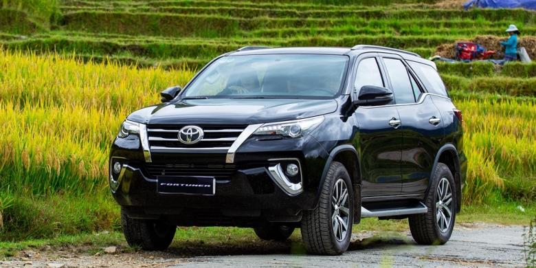 Toyota Fortuner 2019 ngoại thất mới