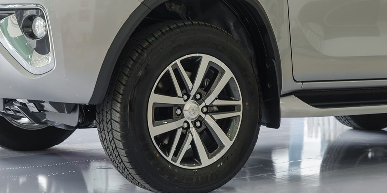 Toyota Fortuner 2019 bánh xe