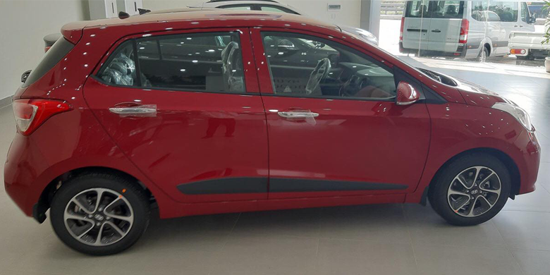 Hông xe Hyundai i10 2019