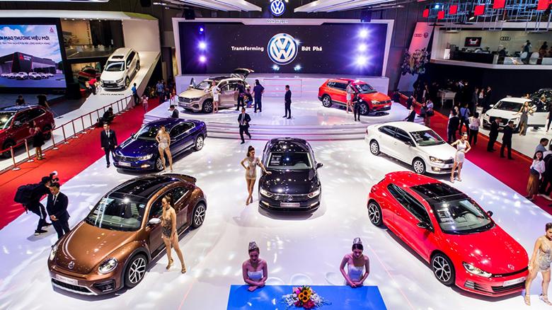 Đua nhau giảm giá xe ô tô cũ lẫn mới mùa cuối năm 2019 - 2