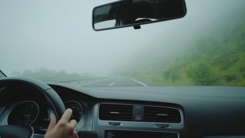 Kinh nghiệm lái xe đường sương mù cho tài mới - 1