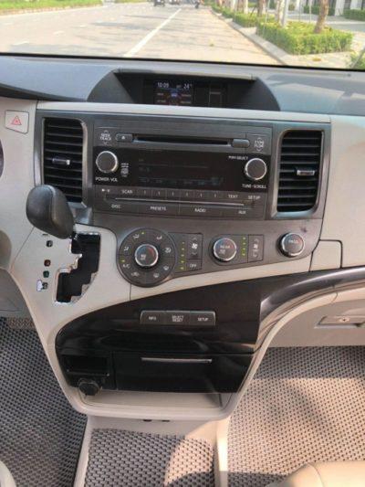 Toyota Sienna 3.5AT 2011