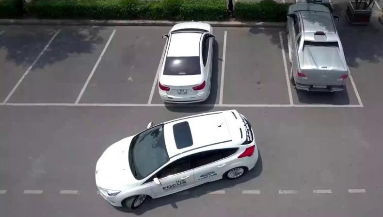 Lùi xe khó hay dễ? Hướng dẫn cách lấy lái lùi xe an toàn ít ai biết -2