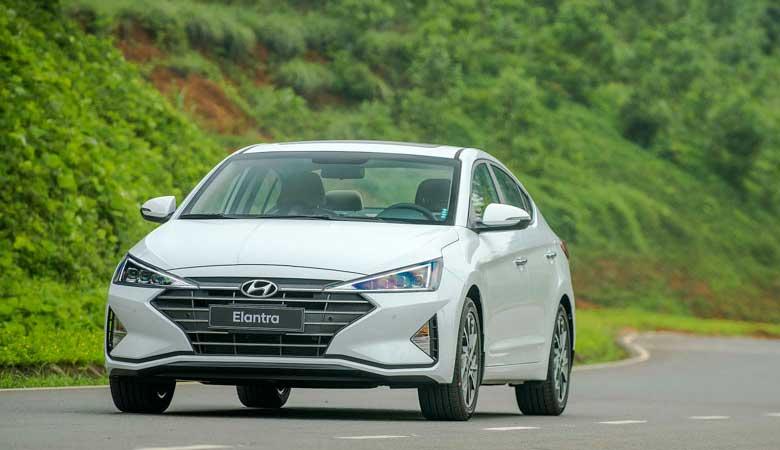 Đánh giá phần đầu xe Hyundai Elantra 2020