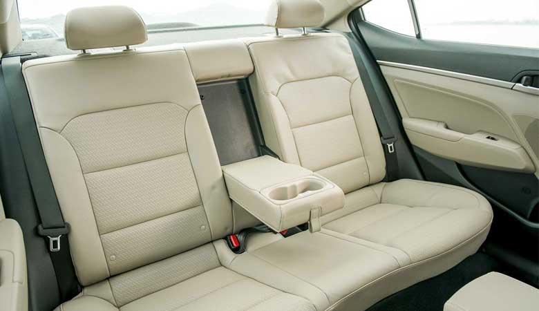 Đánh giá thiết kế ghế ngồi xe Hyundai Elantra 2020
