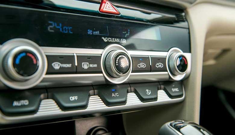 Đánh giá tiện nghi xe Hyundai Elantra 2020