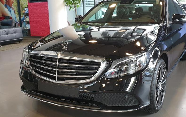 So sánh xe Mercedes-Benz C 180 2020 và C 200 Exclusive 2020: Giá lăn bánh và khuyến mãi tháng 7/2020 - 2