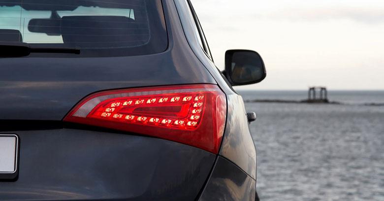 Cách thay thế đèn hậu xe ô tô tại nhà ai cũng thực hiện được - 2