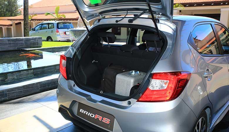 Đánh giá khoang hành lý xe Honda Brio 2020