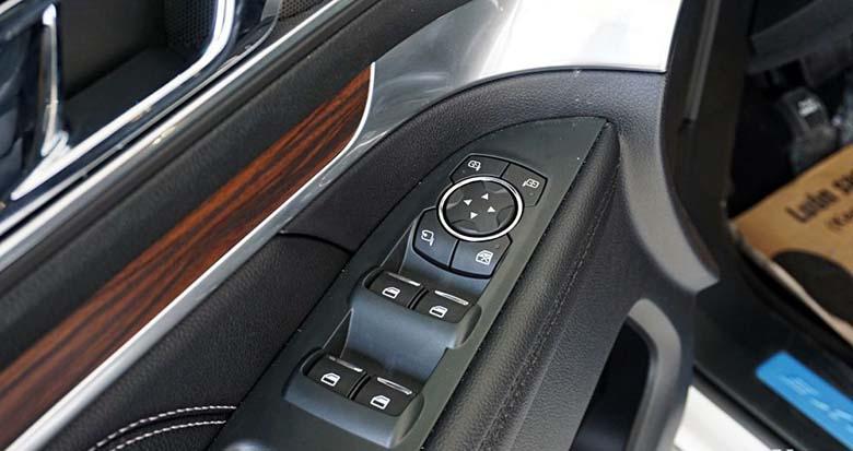 Đánh giá Ford Explorer 2020 thông số và giá bán tháng 7/2020 - 14