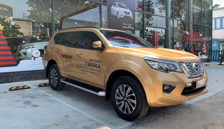 Đánh giá xe Nissan Terra 2020 MPV, giá lăn bánh 08/2020