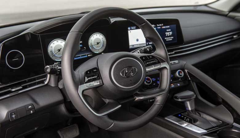 Đánh giá cảm giác lái xe Hyundai Elantra 2021