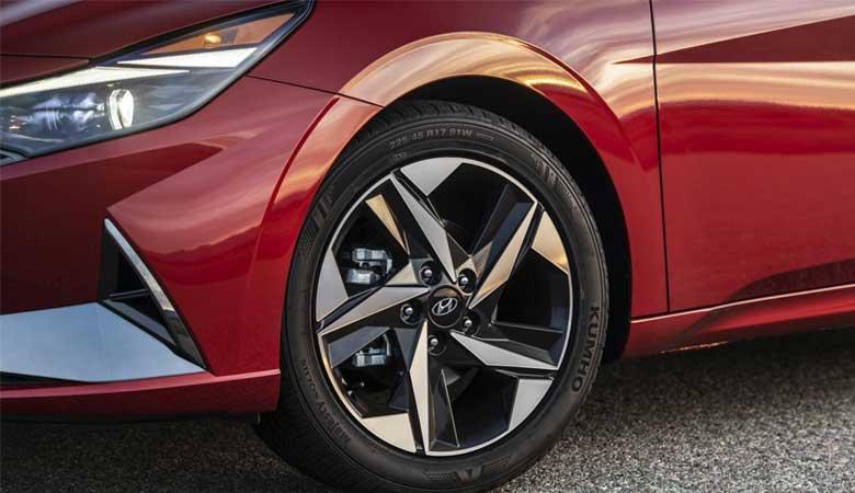 Đánh giá phần thân xe Hyundai Elantra 2021