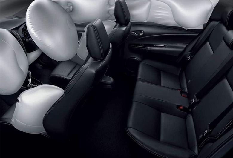 Khoang hành khách Toyota Vios 2021
