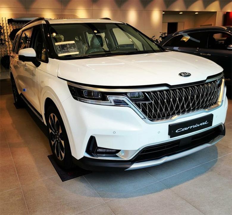 Đánh giá phần đầu xe Kia Sedona 2021