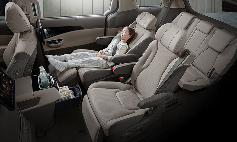 Đánh giá phần khoang hành khách xe Kia Sedona 2021