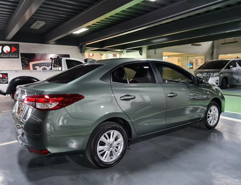Toyota Vios 2021 nhìn từ phía sau