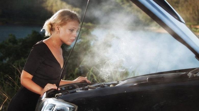 Những nguyên nhân gây cháy ô tô - 1