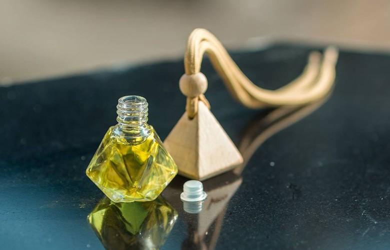 Tinh dầu, sáp thơm, nước hoa ô tô