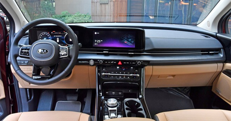 Đánh giá phần khoang lái xe Kia Sedona 2021