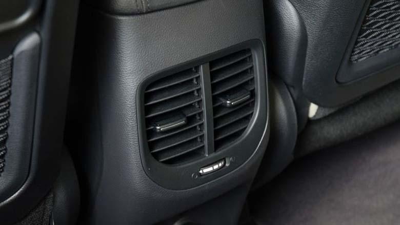 Kia Rondo 2021: MPV Crossover 7 chỗ giá rẻ - 8