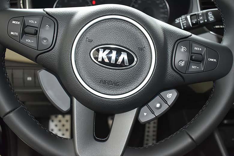 Kia Rondo 2021: MPV Crossover 7 chỗ giá rẻ - 10