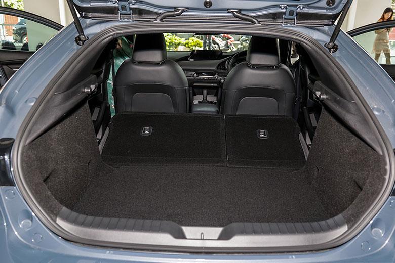 Mazda 3 2021: Đánh giá và giá bán tại Việt Nam tháng 11/2020 - 10