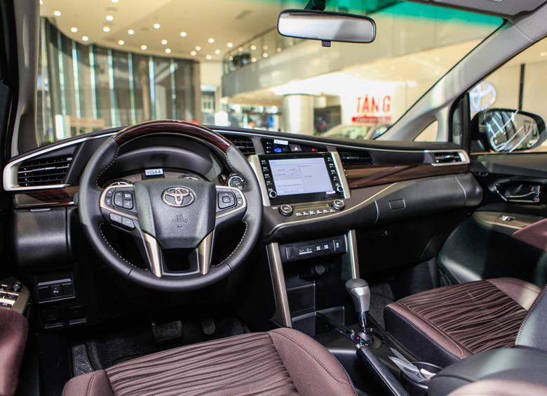 Bảng taplo Toyota Innova 2021